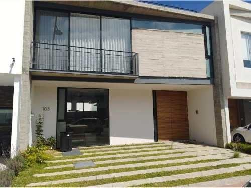 Casa En Venta En Fraccionamiento Residencial Solares