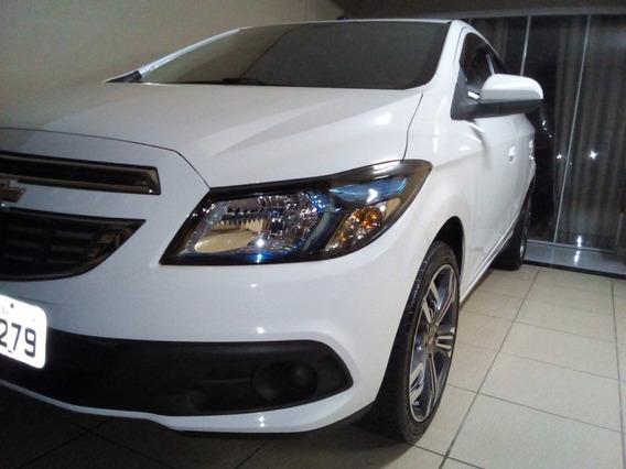 Onix Lt 1.4 Completo,multim.tv Dig,impecavel,carro D Garagem