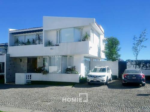 Imagen 1 de 12 de Hermosa Casa En Renta Dentro De Privada. Mucha Luz Y Jardín, 65865