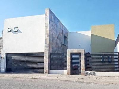 Casa En Venta En Viñedos, Torreón