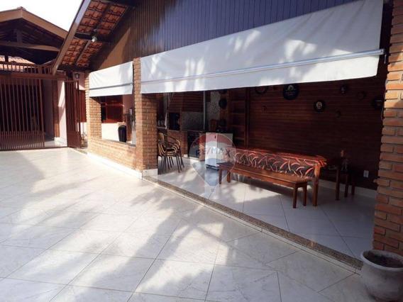Excelente Imóvel Próximo Ao Centro Com Três Quartos E Excelente Área Gourmet - Ca0206