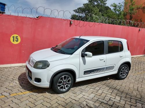 Fiat Uno 2012 1.4 Sporting Flex 5p
