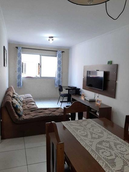 Apartamento 2quartos, Sala Ampla, Cozinha E Banheiro.