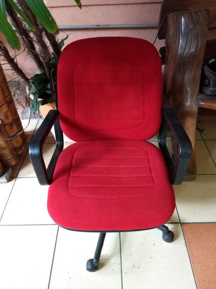 Cadeira Poltrona Giratória Vermelha Flexform - Com Detalhe