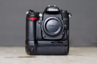 Cámara Nikon D7000 Con Grip + 2 Baterías
