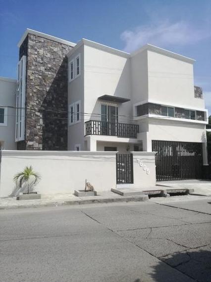 Casa Residencial En Venta Col. Lazaro Cardenas, Cd. Madero