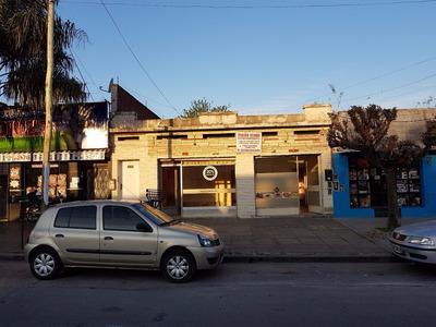 Dos Locales Comerciales + Departamento 5 Ambientes