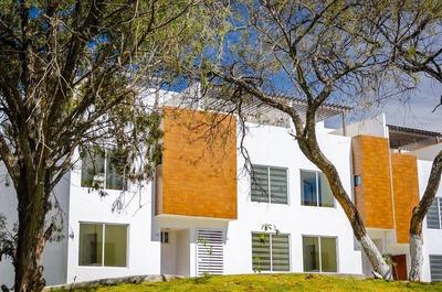 Excelente Oportunidad De Adquirir Tu Casa Ideal!!!