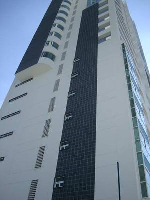 Penthouse En Renta A Un Costado Del Hospital Angeles, Frente Al Ccu, Angelopolis.