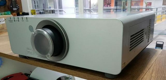 Panasonic Pt-dw730us Wxga 7000 Lumens Projector