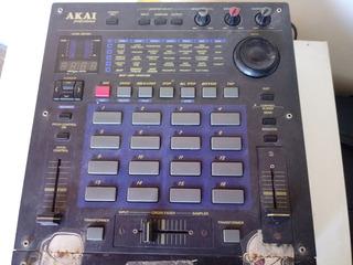 Akai Professional Remix 16 Estéreo Dj Sampler