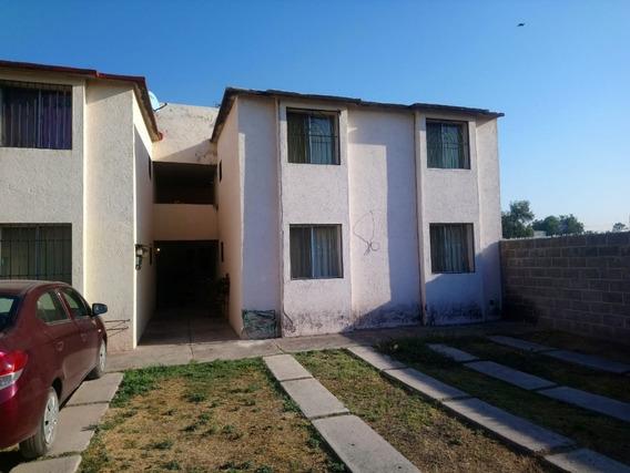 Oportunidad, Casa Duplex Villas De Santa Monica (planta Alta)