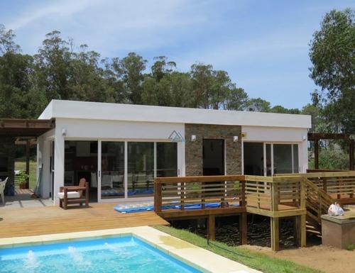 Vendo Casa Con Piscina, 200 Mts De La Playa, Ocean Park- Ref: 34
