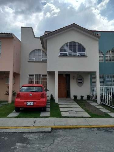 Casa Con Excelente Ubicacion A 2 Cuadras De Tollocan