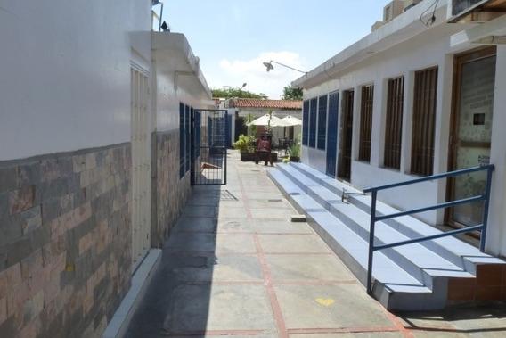Centro Comercial Con 15 Locales Frente Hipergalerias Traki