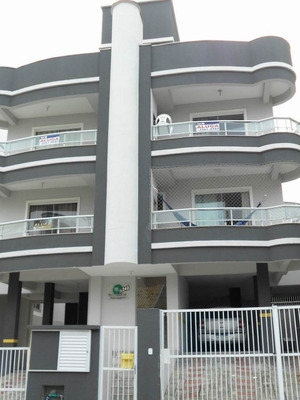 Apartamento 130 Metros Da Praia Bombas Para Até 6 Pessoas.