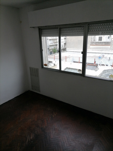 Apartamento 1 Dormitorio, Contrafrente Luminoso $450 G. Comu