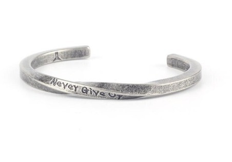 Pulsera Giratoria - Never Give Up