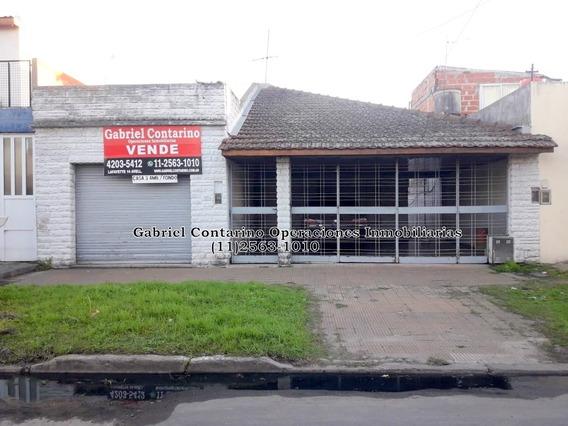 Casa 3 Ambientes Con Cochera Y Amplio Fondo