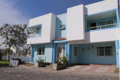 Se Vende Casa En Col. San Isidro Residencial, Zapopan