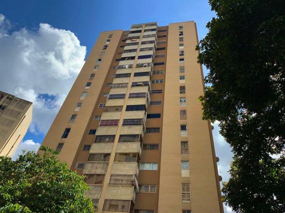 Apartamento En Venta Lomas De Prados Del Este Mls #20-12424