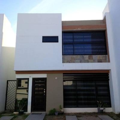 Bonita Casa En Venta En Fracc. Altamira