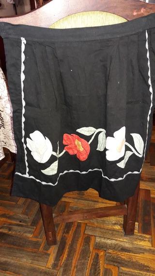 Antiguo Delantal De Cocina Negro Corderoy Bordado Con Flores