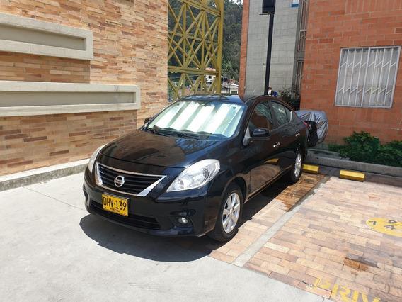 Nissan Versa Automático Full Equipo