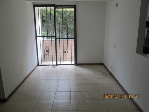 Venta De Apartamento En Loma Bernal