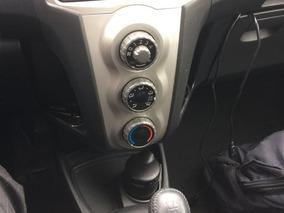 Toyota Yaris Unico Dueño $14000