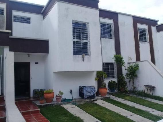 Casa En Venta Cabudare 20-1621 Jm 04145717884