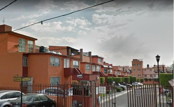 Venta Departamento Col. Santa Cecilia