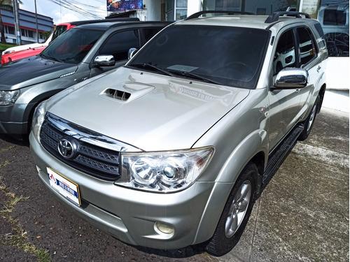 Toyota Fortuner 2010 3.0 Sr5
