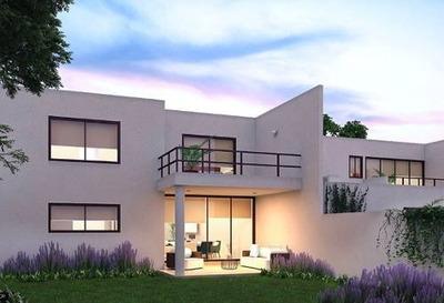 Residencia En Privada Parque Central, Modelo Amenia.
