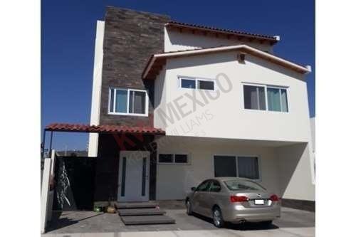 Casa En Renta / Zibatá / Condominio Cactus / Querétaro