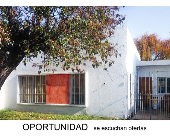 Vendo Urgente- Castelar Casa-oportunidad-proyecto A Terminar