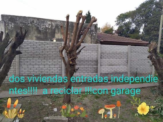 Casa De 3 Ambientes, A Reciclar, Con Cochera Cubierta