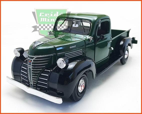 Plymouth Truck 1941 - Escala 1/24