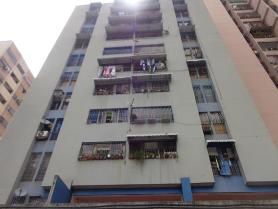 Apartamento En Venta En Caracas Urbanizacion La Candelaria Rent A House Tubieninmuebles Mls 20-10713