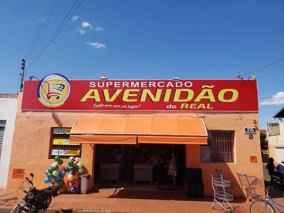 Supermercado Completo Na Avenida Principal De Miguelópolis