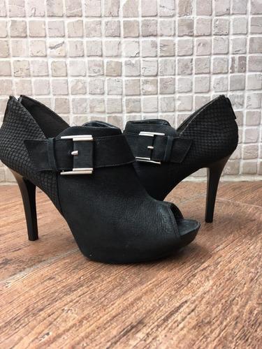 0fb8a7cef Sapatos Da Besni Feminino Open Boot Outras Marcas - Botas para ...