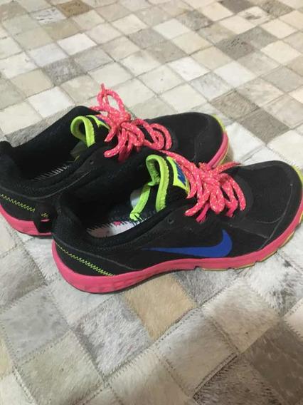 Zapatillas Nike Mujer. Talle 36. Caminar, Entrenar. Training