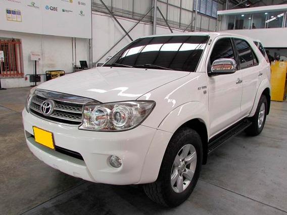 Toyota Fortuner Urbana 4x4 At 2.7cc