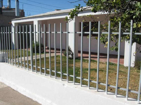 Dueño Vende Casa En Barrio Parque Liceo Segunda Sección