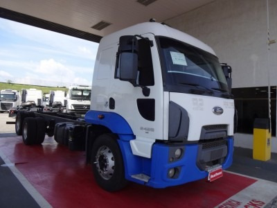 Ford Cargo 2429 Truck 2014 Chassi Selectrucks
