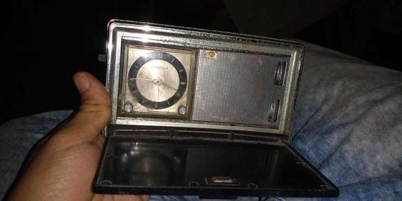 Radio Clock Am Sharp Portatil