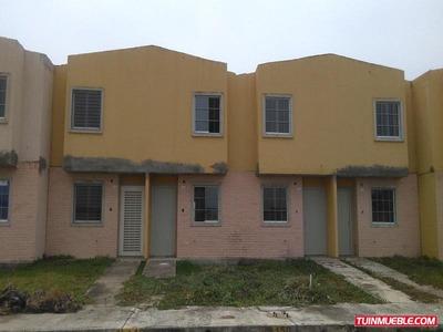 Townhouse En Conj. Res. Tierra Clara. (guth-15)