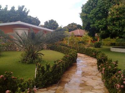 Hermosa Finca En Venta , Villa Sombrero Bani