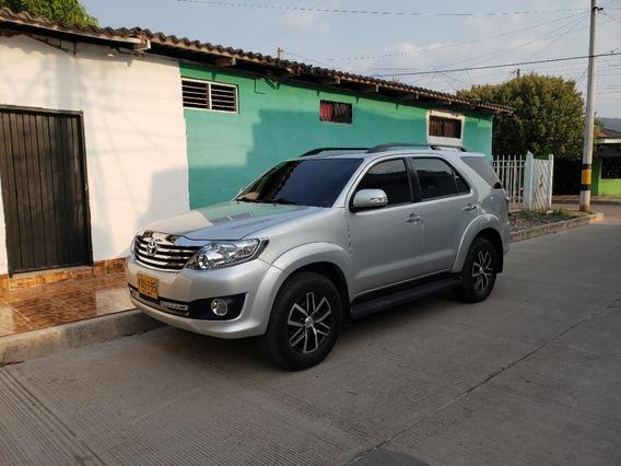 Toyota Fortuner Urbana 2014