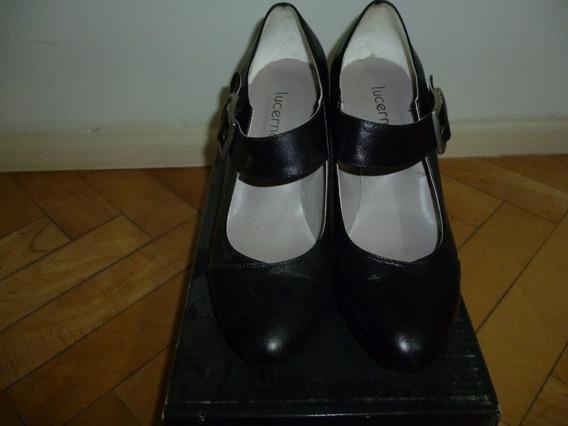 Zapatos De Cuero Marca Lucerna Negros Con Hebilla